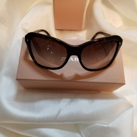 e95d0731af PRADA Sunglasses Over Sized Butterfly Cat Eye